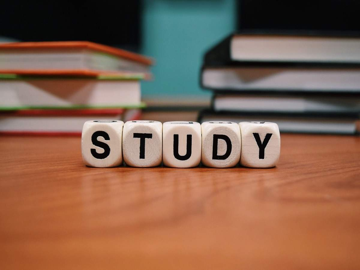Quantitative aptitude books to help you in cracking competitive exams    Most Searched Products - Times of India