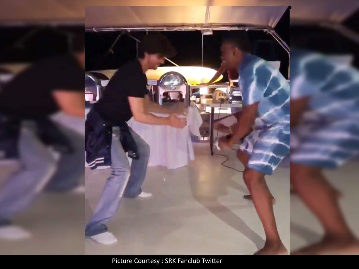 Shah Rukh Khan and Dwayne Bravo groove to the tunes of