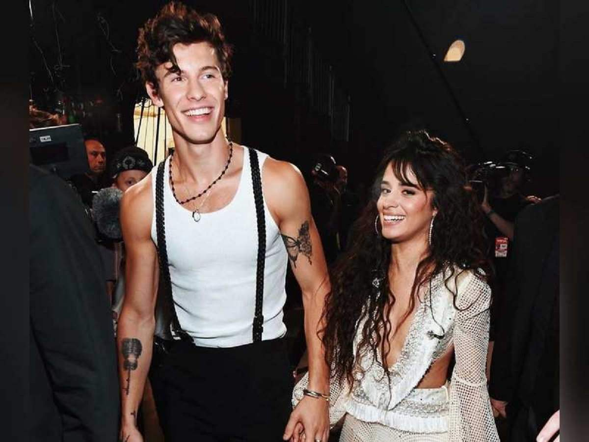 Watch video: Shawn Mendes and Camila Cabello's kiss is
