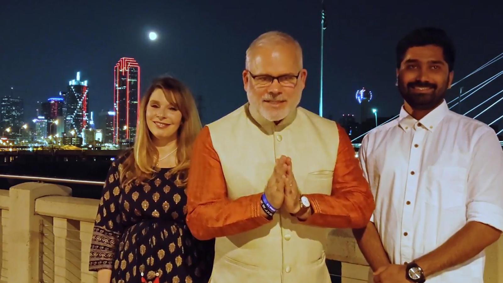 howdymodi-folks-give-special-message-for-pm-narendra-modi-from-dallas