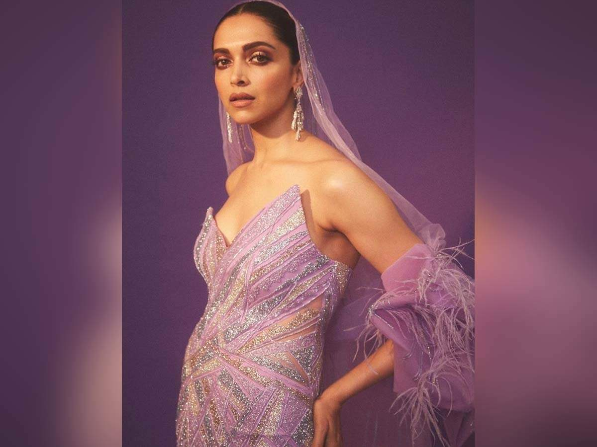 Netizens Ask Deepika Padukone If She Is Pregnant As She Shares Stunning Pictures On Her Instagram Hindi Movie News Times Of India