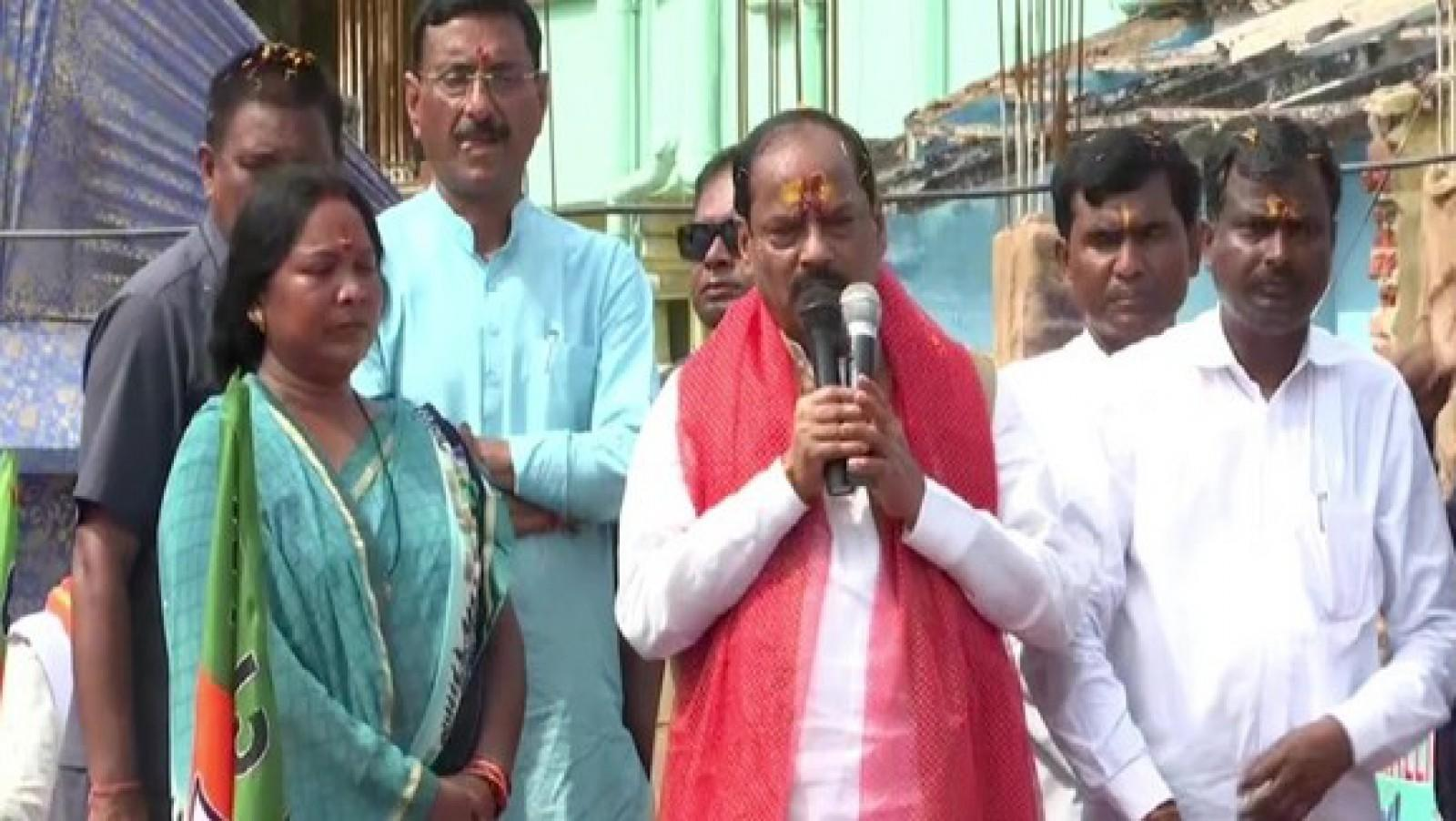 jharkhand-cm-raghubar-das-holds-johar-jan-ashirwad-yatra-in-jamtara