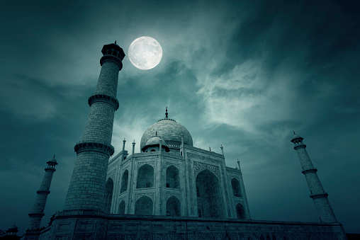 Why should you visit the Taj Mahal during the next full moon night?