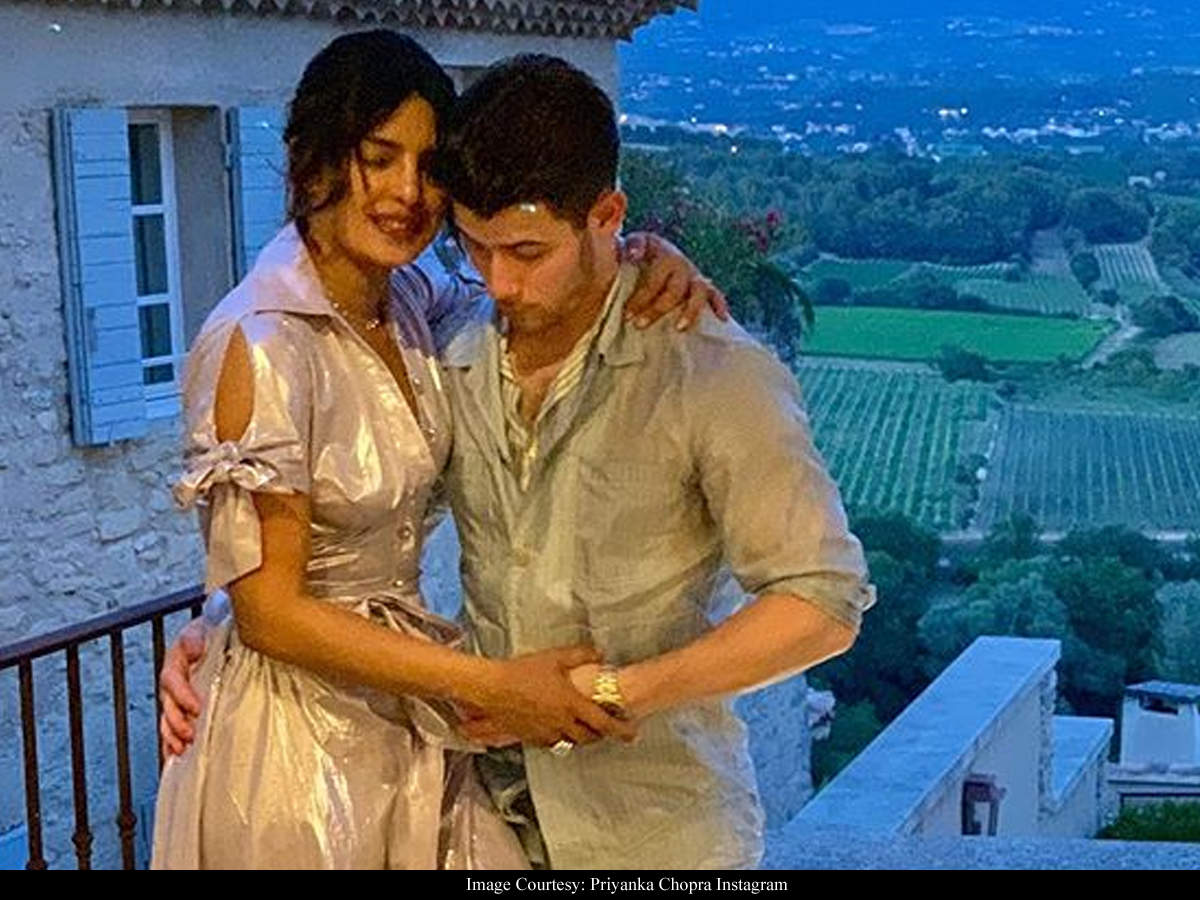 Priyanka Chopra On The Nick Jonas Age Gap Comments I Don T Want To Change My Life Based On The Opinion Of 150 People Hindi Movie News Times Of India