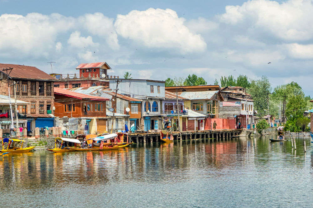 J&K to withdraw travel restrictions on tourists from today