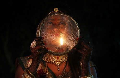 Karwa Chauth 2019 Date, Time & Puja Vidhi