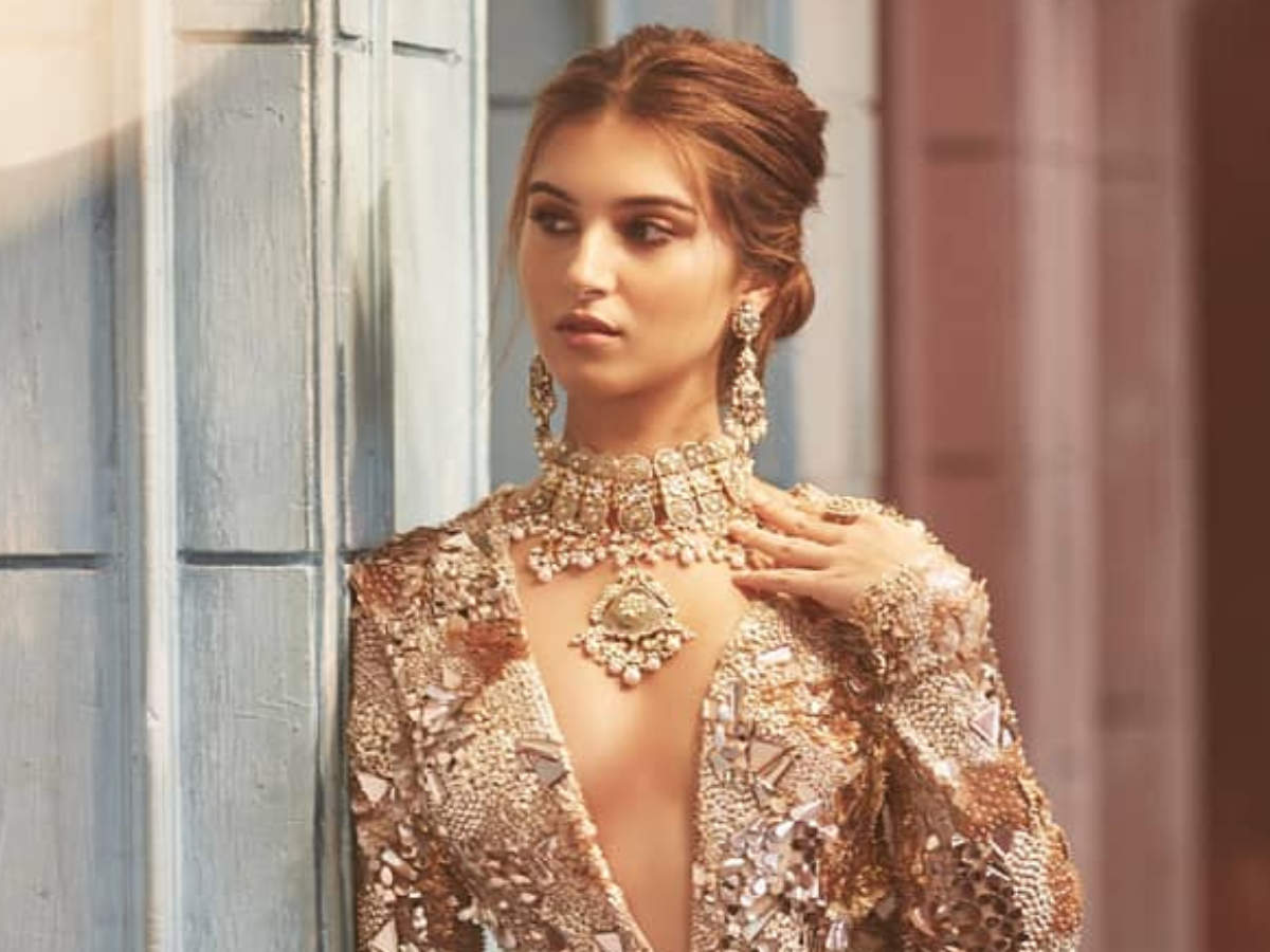 Tara Sutaria S Wedding Photoshoot Is Setting The Internet On Fire