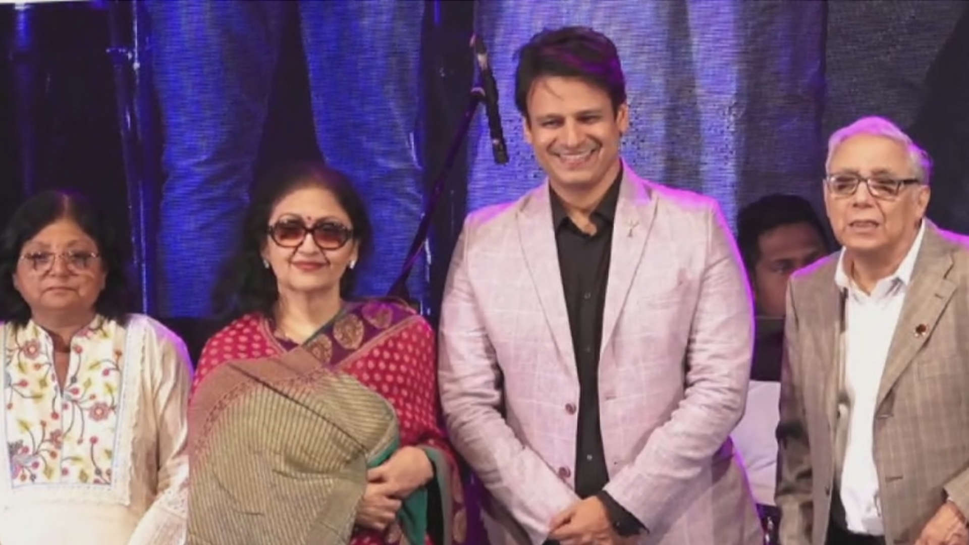 vivek-oberoi-attends-event-for-breast-cancer-awareness-in-mumbai
