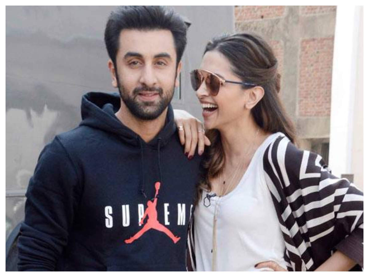 When Deepika Padukone Called Ranbir Kapoor A Pathetic Boyfriend Hindi Movie News Times Of India