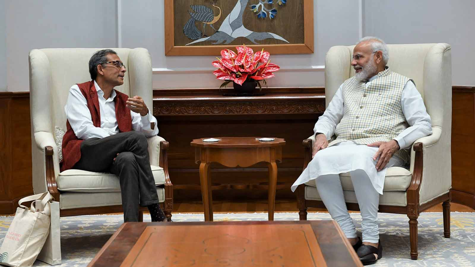 pm-narendra-modi-meets-nobel-laureate-abhijit-banerjee-india-is-proud-tweets-pm