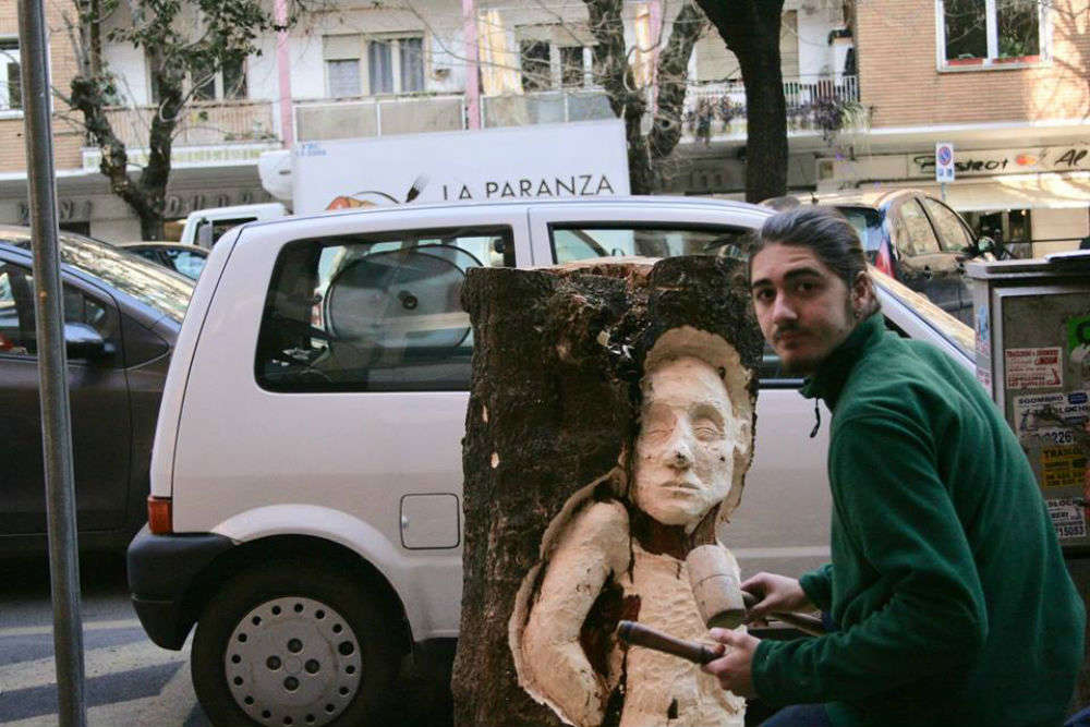 This young sculptor is turning dead trees into art, becomes Rome's latest attraction