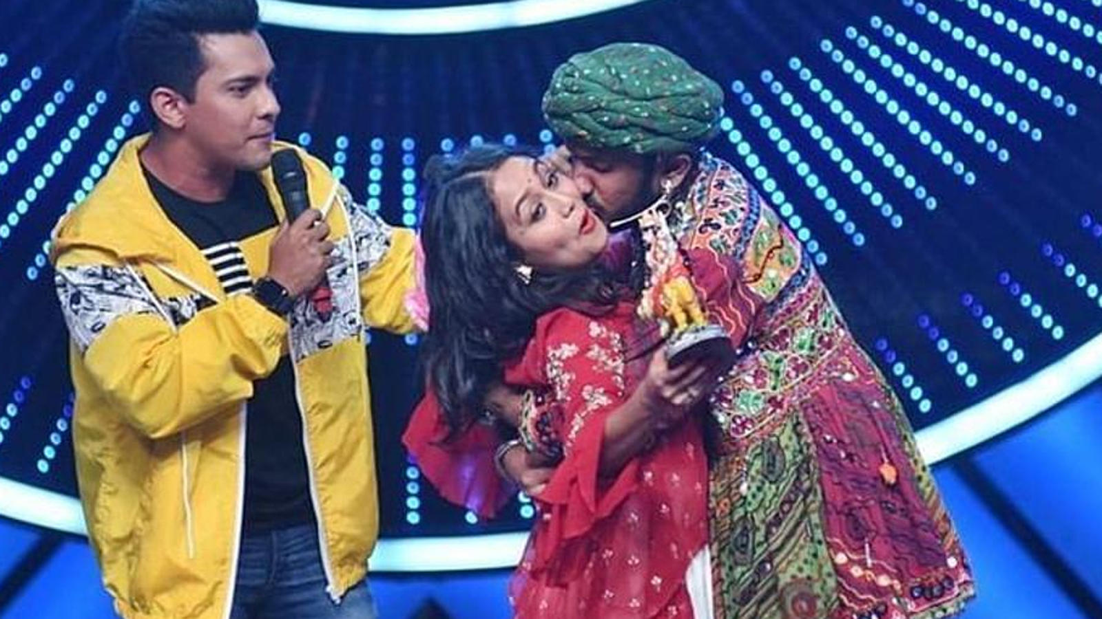 Aditya Narayan Reacts To Neha Kakkar Getting Forcibly Kissed By A Contestant Says Guy Who Kissed The Singer Has A Tattoo Of Her Tv Times Of India Videos