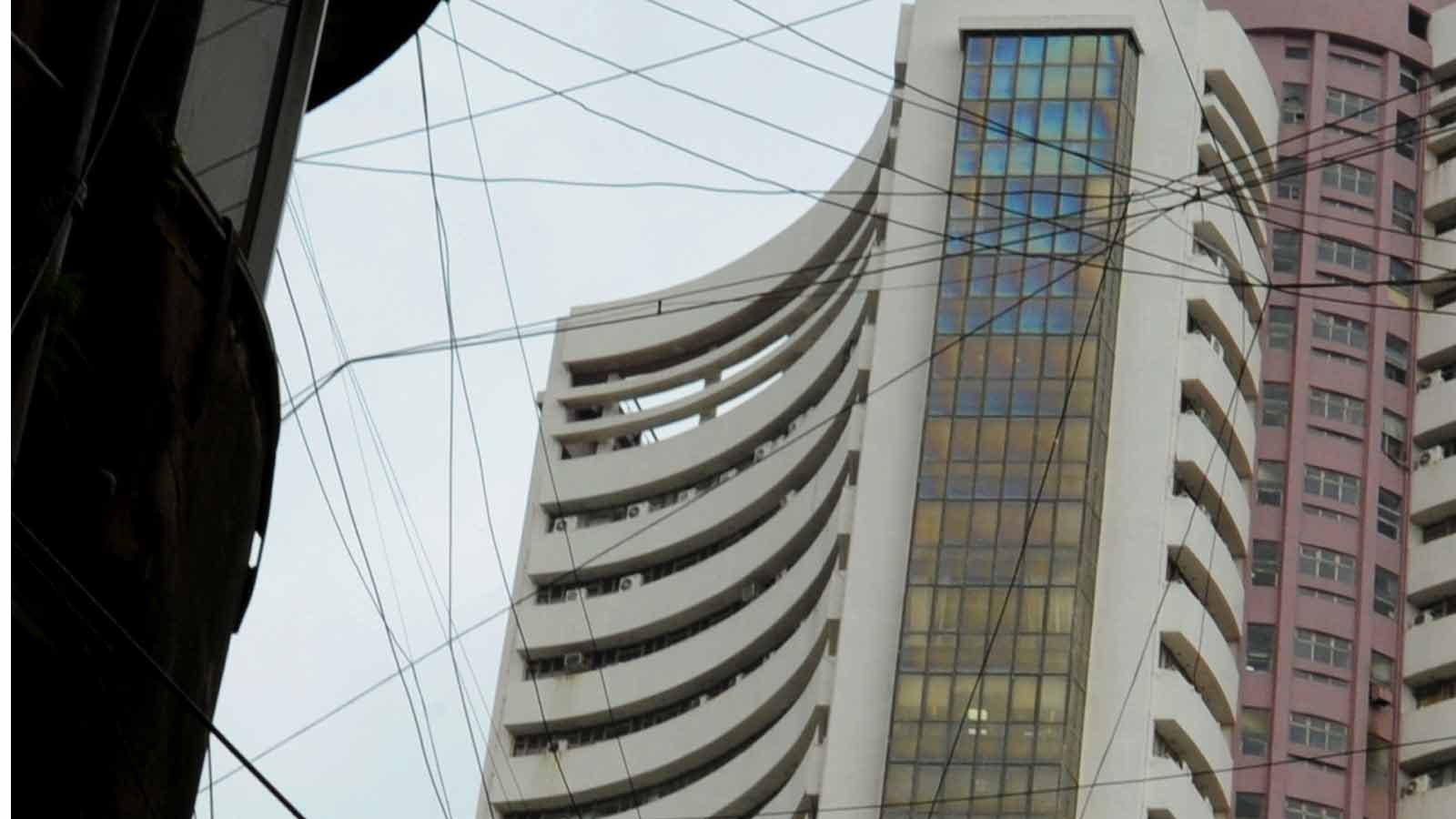 sensex-crosses-past-40000-mark-first-time-since-july