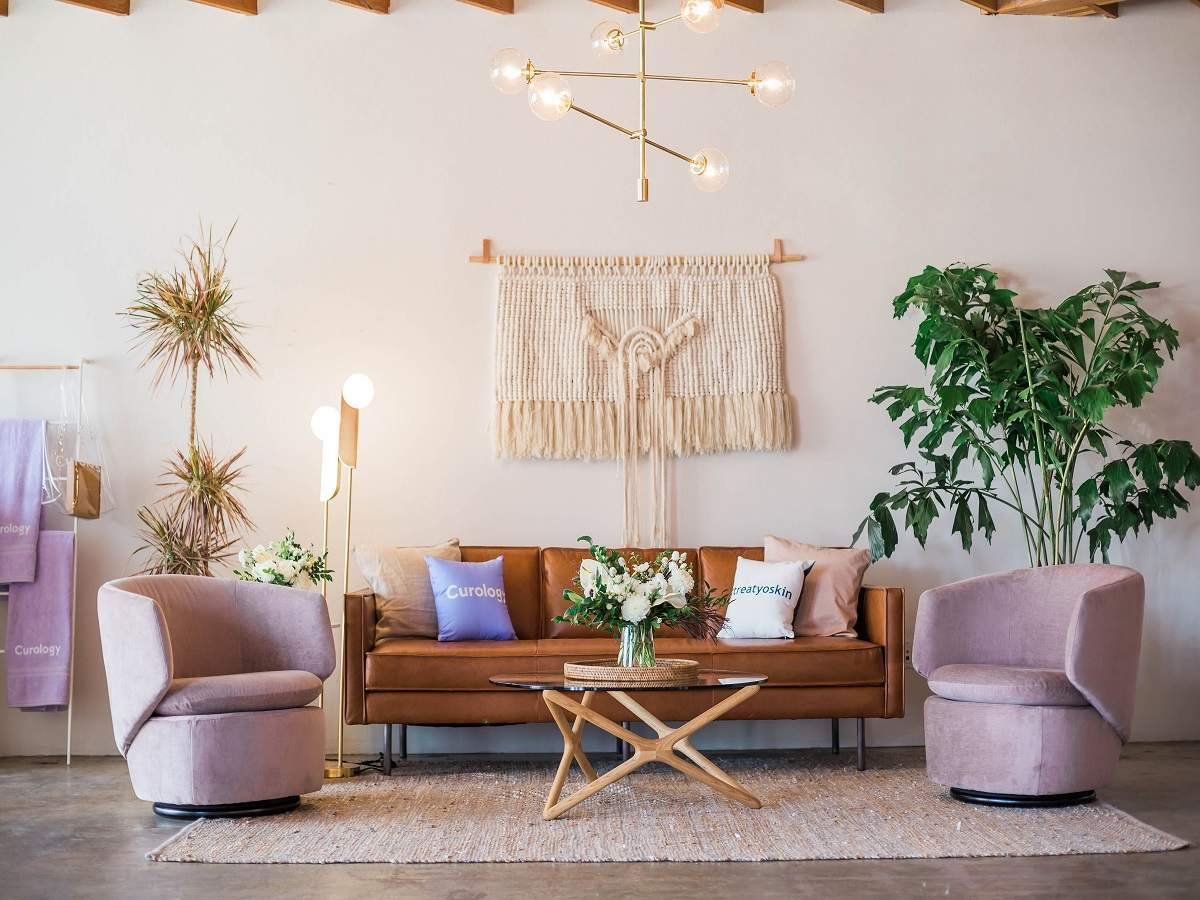 Must have living room accessories to own and display | Most Searched  Products - Times of India