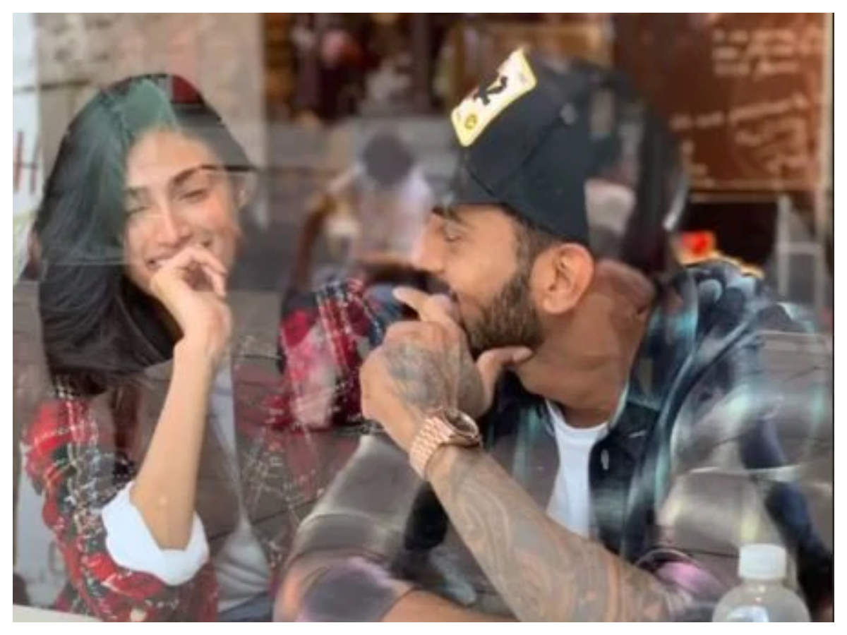 Athiya Shetty finally opens up about her link-up reports with cricketer KL  Rahul | Hindi Movie News - Times of India