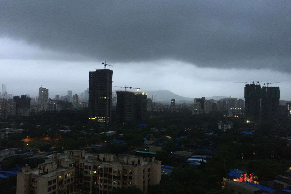 Mumbai and neighbouring cities experience heavy, unseasonal rain in November