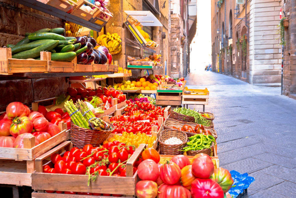 Italy passes a bill to utilise unsold food for charities