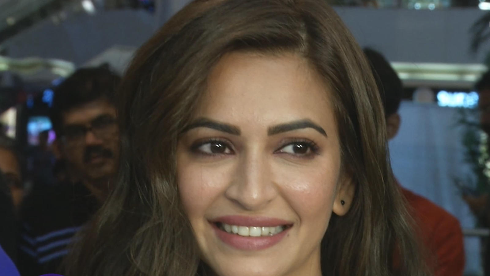 is-kriti-kharbanda-no-more-part-of-amitabh-bachchan-and-emraan-hashmis-chehre