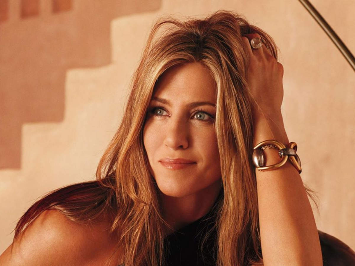 Friends actress Jennifer Aniston thanks fans as she gets 20 million followers on Instagram - Times of India