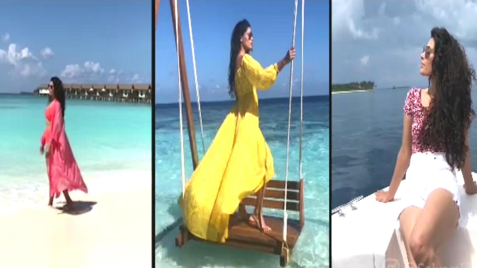 saiyami-kher-on-a-much-needed-break-in-maldives