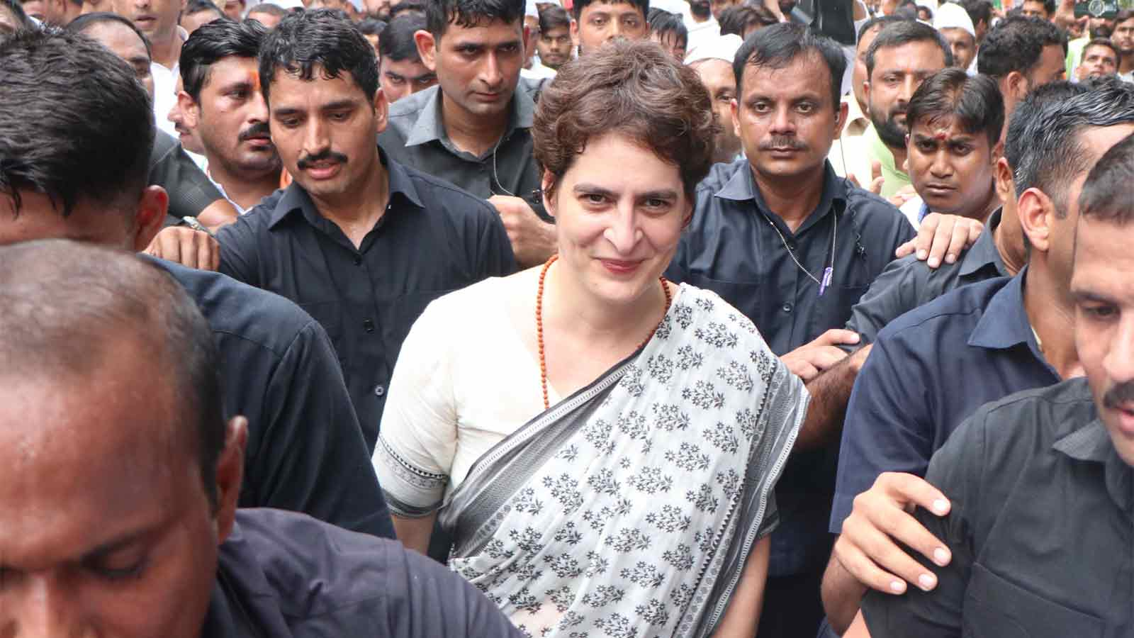 rajniti-hai-hoti-rehti-hai-priyanka-gandhi-on-spg-cover-removal-for-her-family