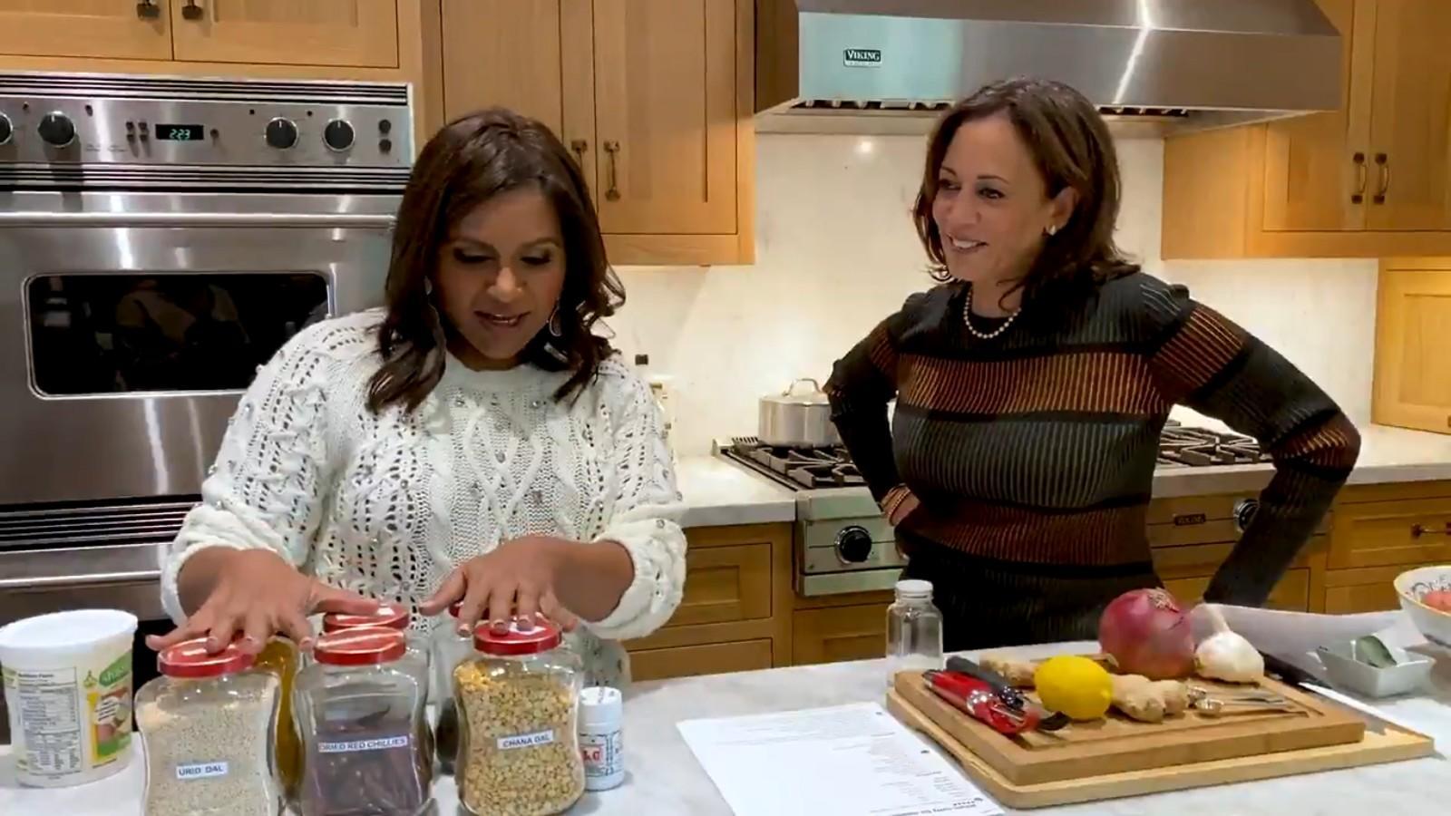 Dosa Duo Kamala Harris Mindy Kaling Cook Desi Style In Viral Video International Times Of India Videos