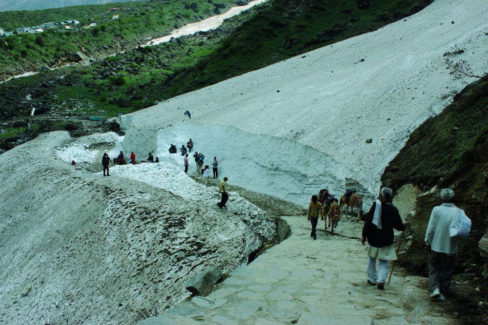 Tehri in Uttarakhand turns into a winter wonderland, receives first snowfall of the season