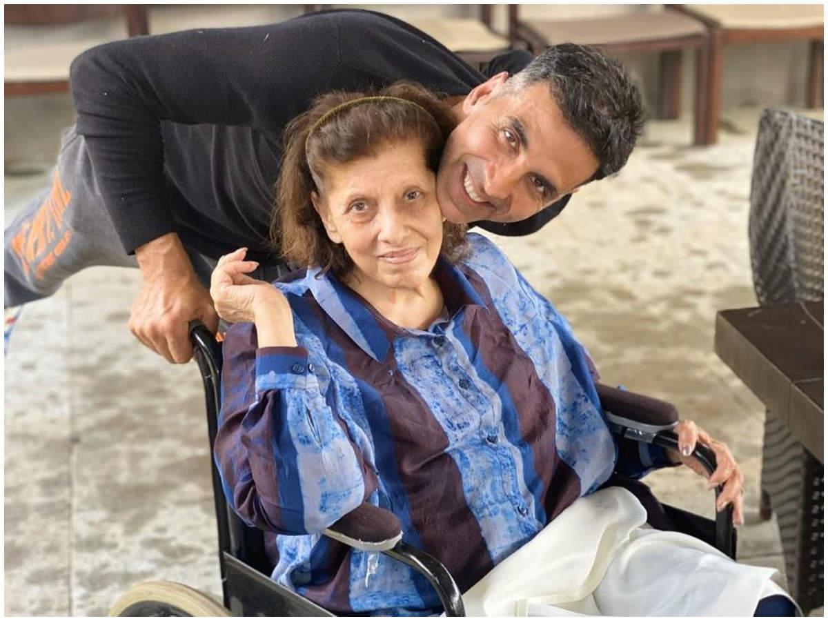 Dimple Kapadia's Mother Betty Kapadia Passes Away | Hindi Movie News