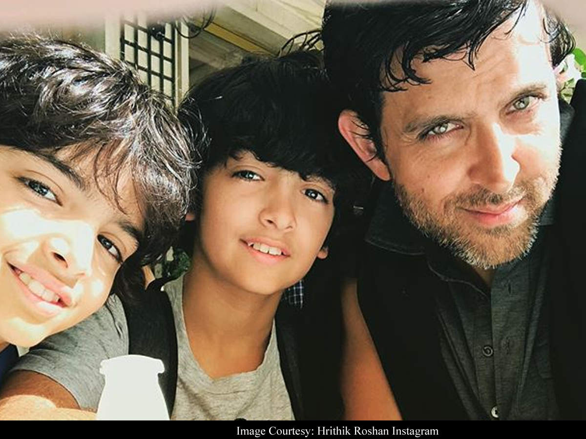Hrithik Roshan On Paparazzi Following His Kids: I Have No Complaints | Hindi Movie News