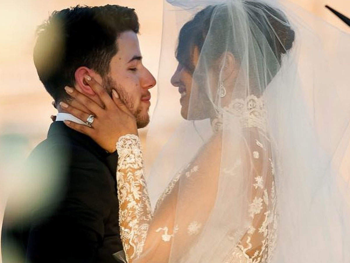 "Priyanka Chopra And Nick Jonas First Wedding Anniversary: Couple Raises A Toast To ""forever"" As They Wish Each Other With Heartfelt Posts 