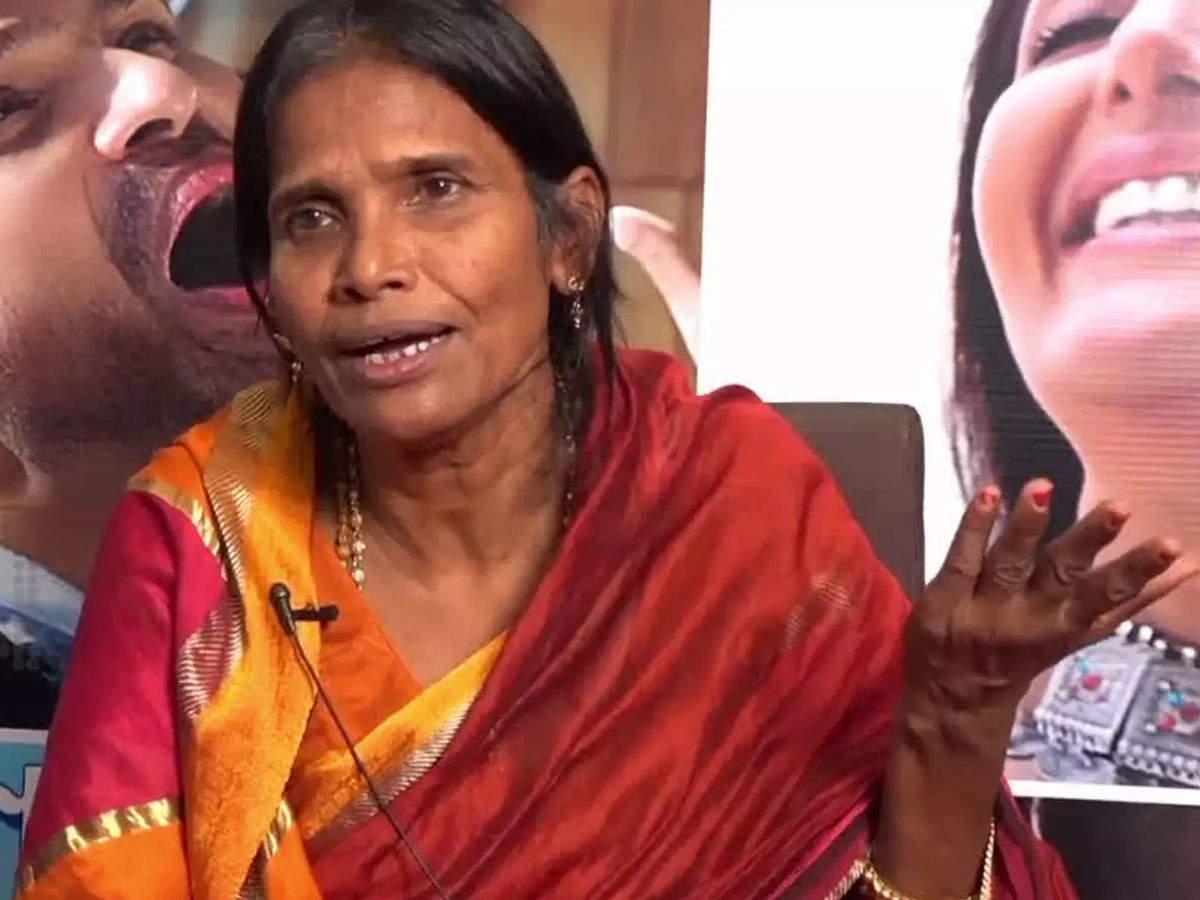 Watch: Ranu Mondal Trolled Again, This Time For Forgetting  Of Himesh Reshammiya's  'teri Meri' | Hindi Movie News