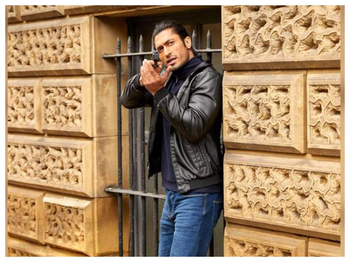'commando 3' Box-office Collection Day 3: The Vidyut Jammwal Starrer Collects Rs 8 Crore On Sunday | Hindi Movie News