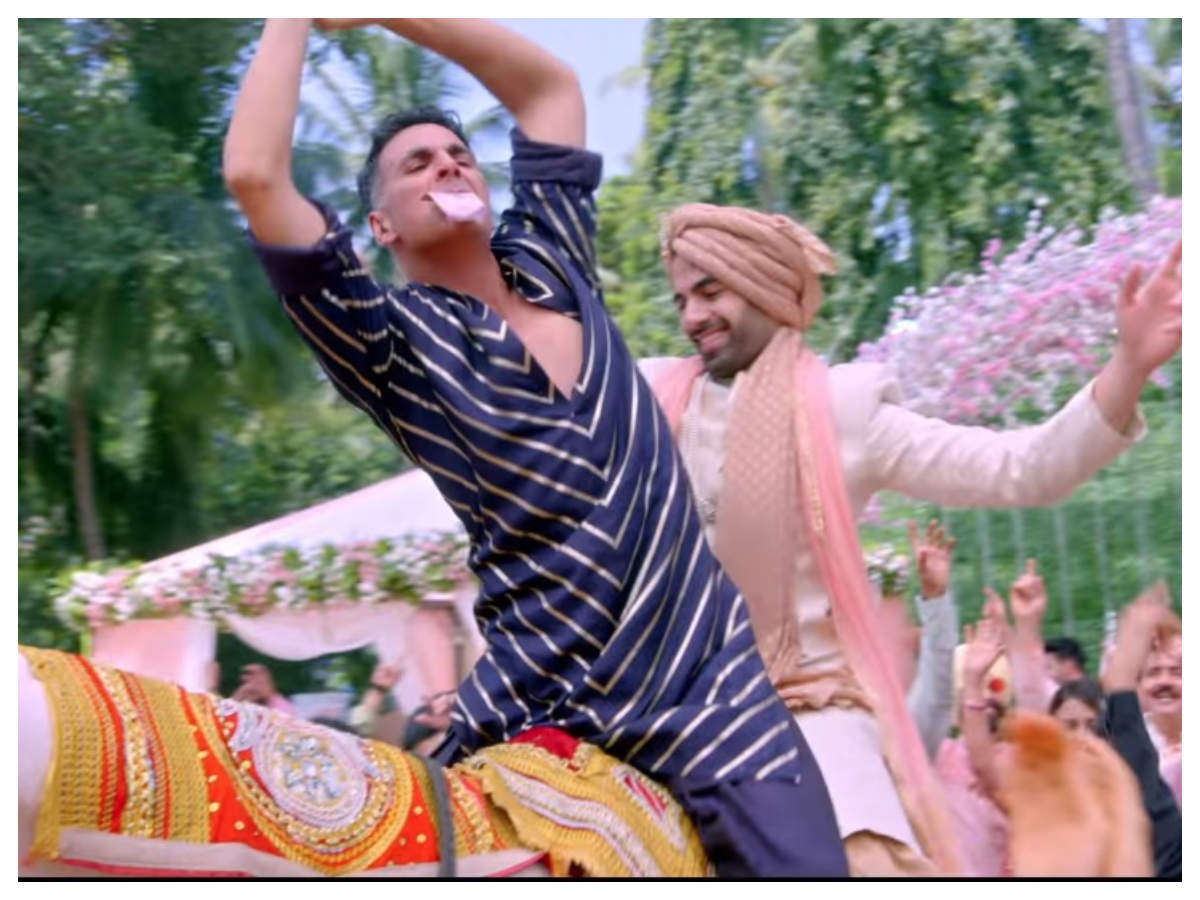 'good Newwz': Akshay Kumar Reveals The Inspiration Behind His Naagin Dance In 'sauda Khara Khara'    Hindi Movie News