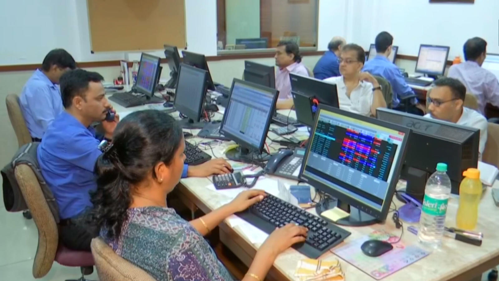 equity-indices-largely-flat-auto-and-metal-stocks-gain