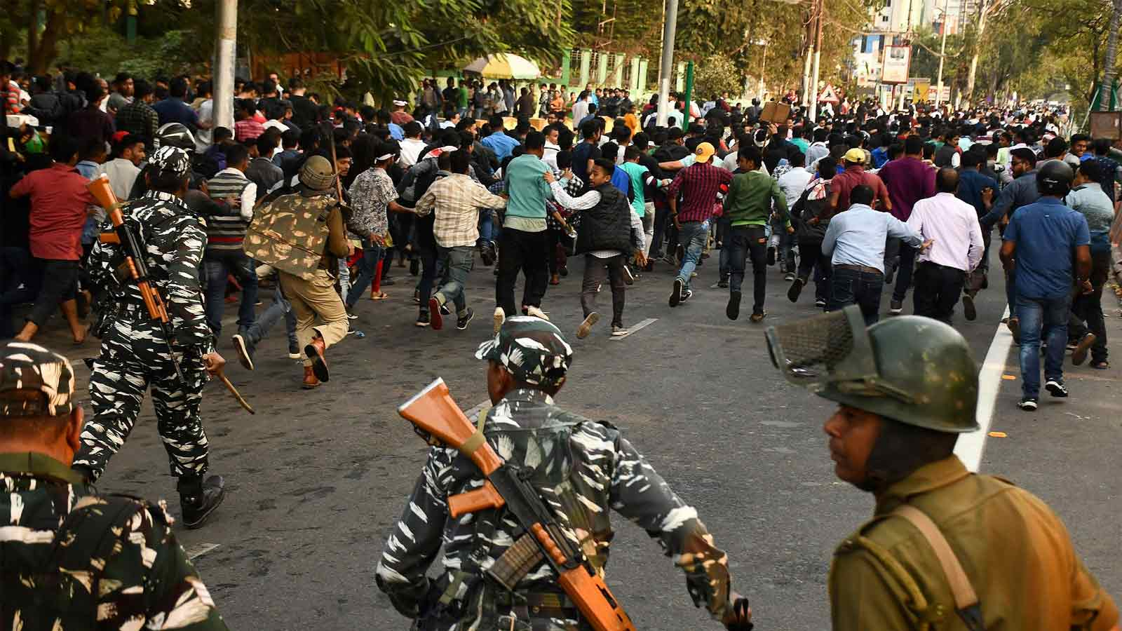 citizenship-amendment-bill-violence-erupts-para-forces-out-in-tripura-no-net-in-10-assam-districts