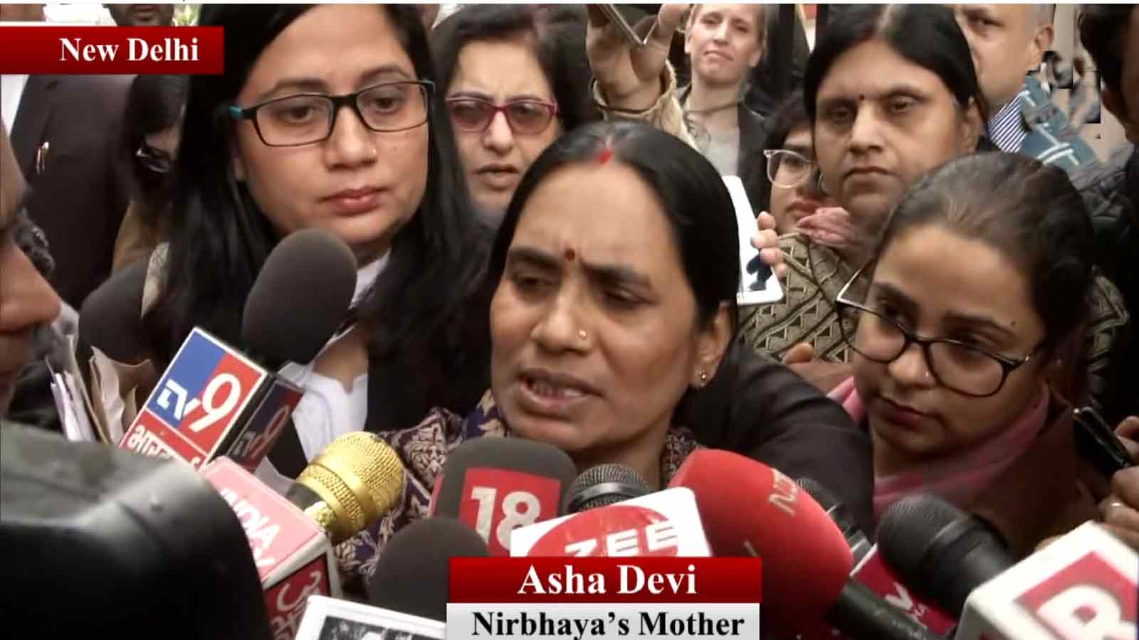 we-have-fought-for-7-years-can-wait-for-another-week-nirbhayas-mother