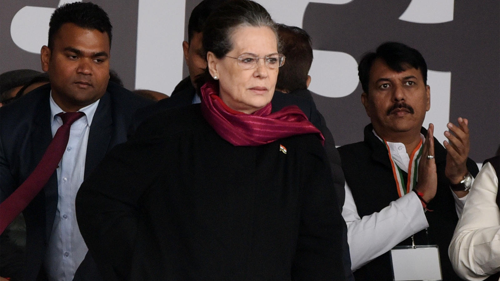 there-is-an-atmosphere-of-andher-nagri-chaupat-raja-in-country-sonia-gandhi-at-bharat-bachao-rally