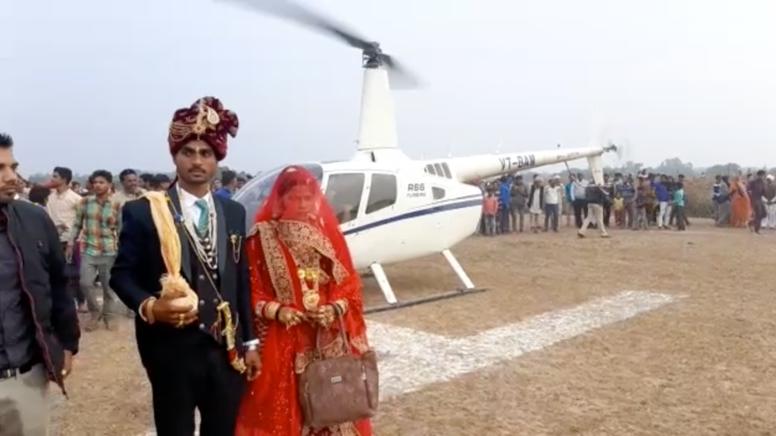 mp-farmer-hires-chopper-to-bring-daughter-in-law-home-video-goes-viral