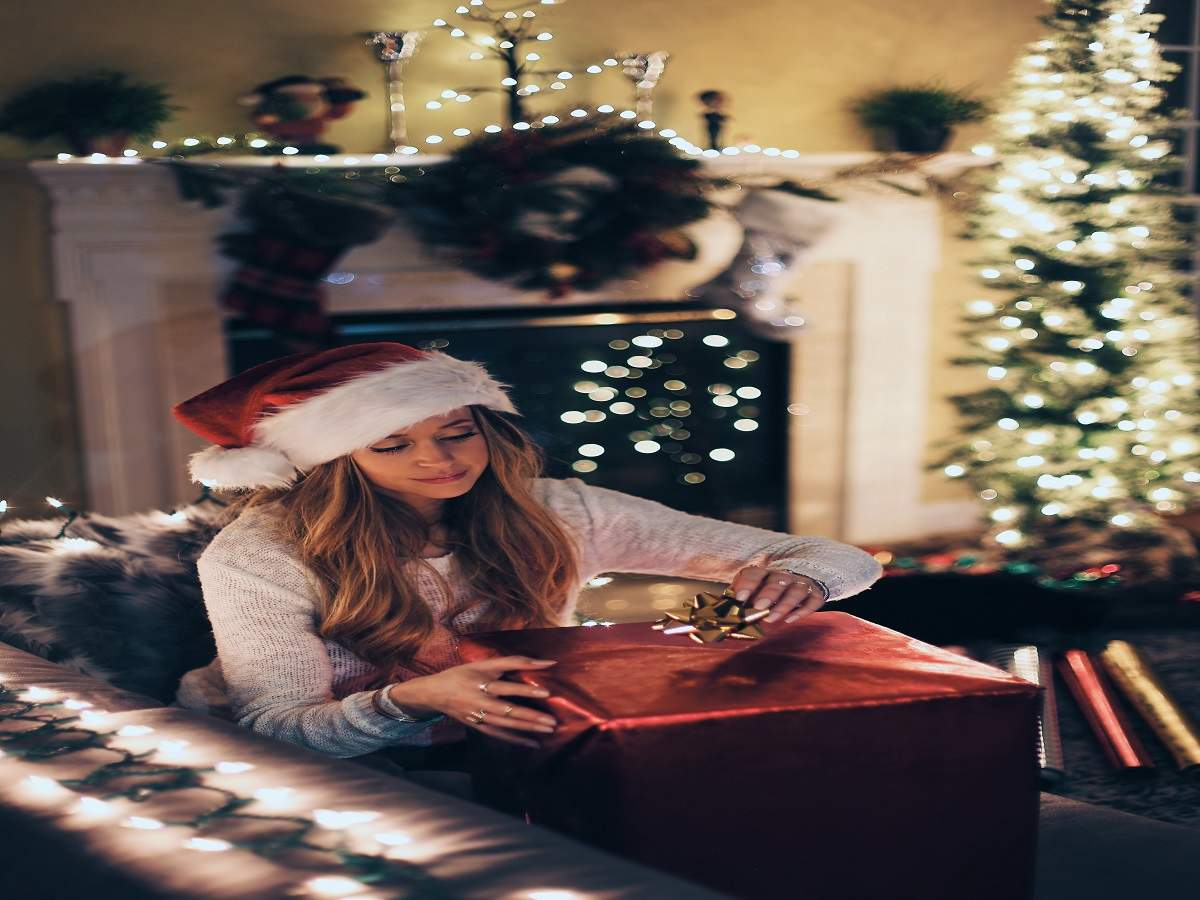 Christmas Christmas Decoration Spruce Up Your Home With Christmas Crib Wreath More Most Searched Products Times Of India