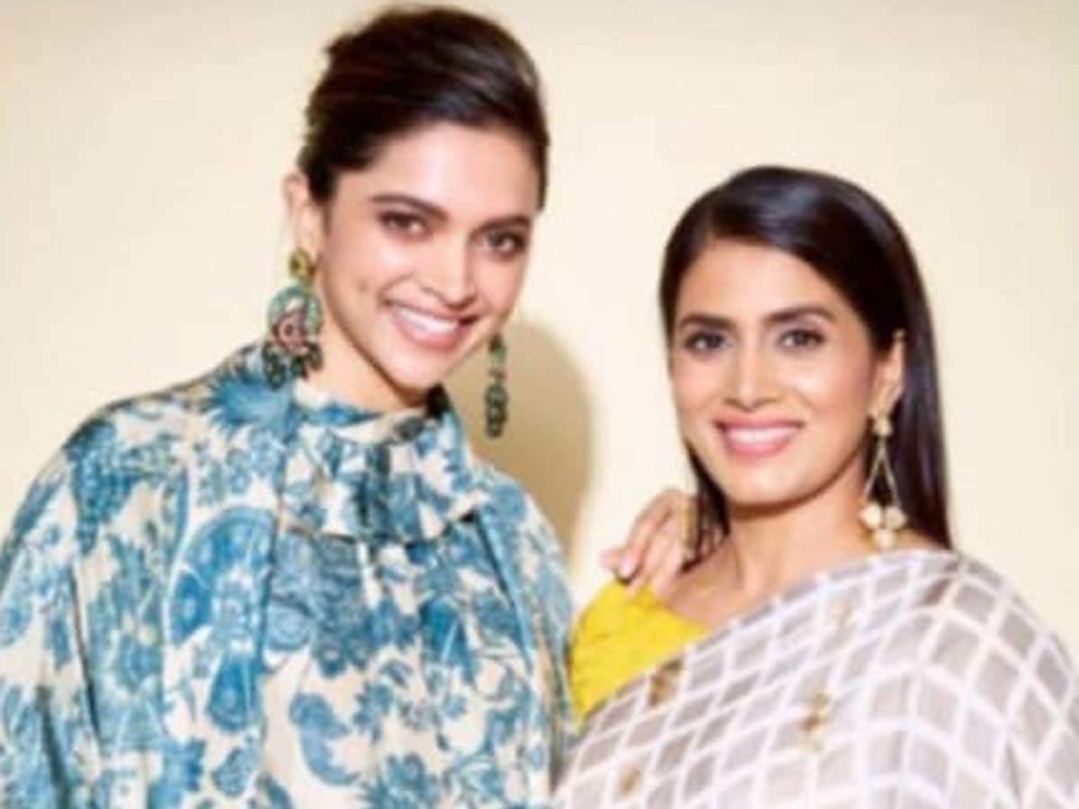 Here S Why Chappaak Actress Deepika Padukone Thanked Sonali Kulkarni Hindi Movie News Times Of India