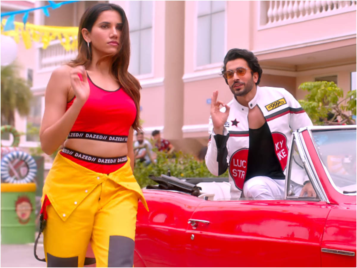 Jai Mummy Di' new song 'Lamborghini': Sunny Singh and Sonnalli Seygall's song is a perfect party number! | Hindi Movie News - Times of India