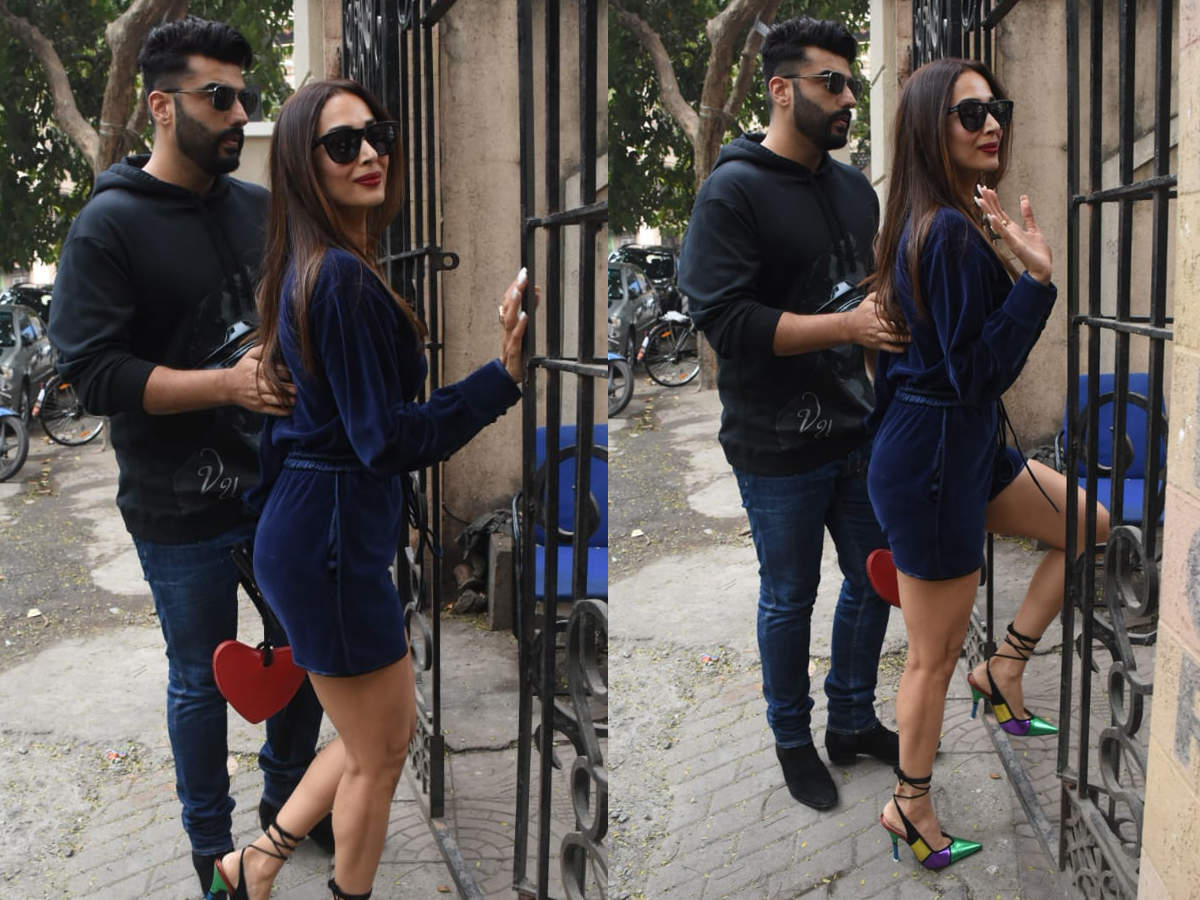 Photos: Arjun Kapoor joins Malaika Arora at her mother's Bandra residence for Christmas celebrations | Hindi Movie News - Times of India