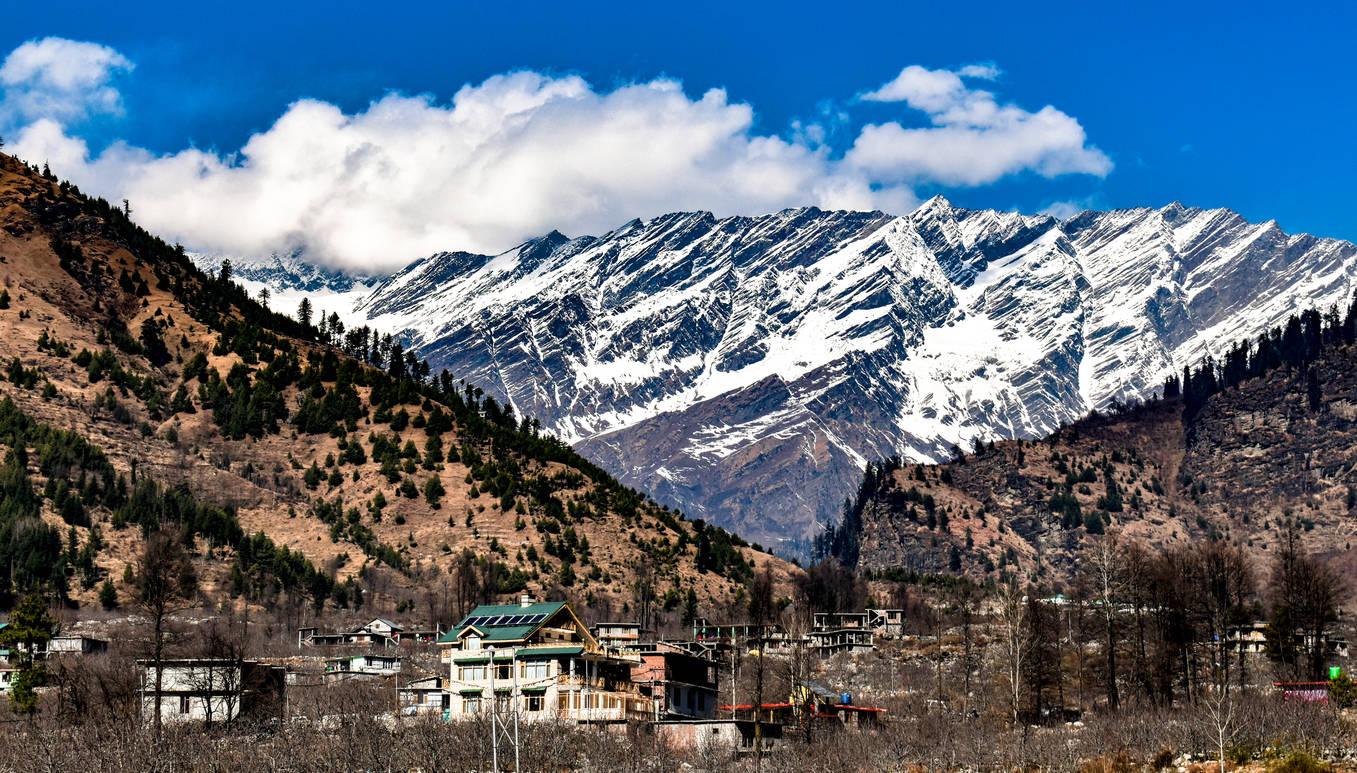 New Year to bring more snowfall to Himachal Pradesh, plan a getaway soon