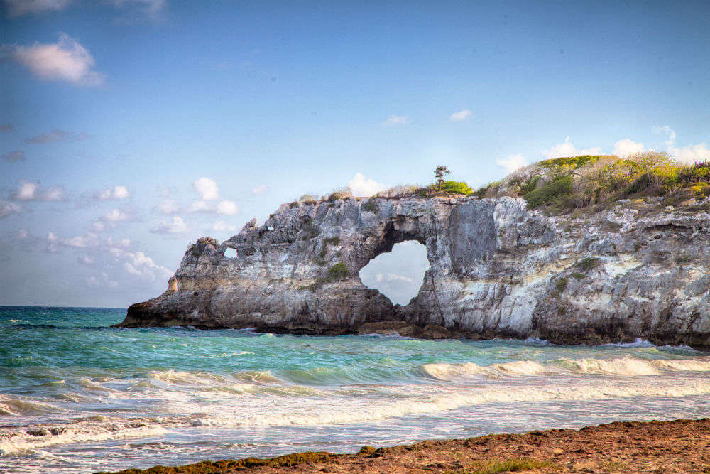 Earthquakes in Puerto Rico destroys the famous tourist attraction, Punta Ventana