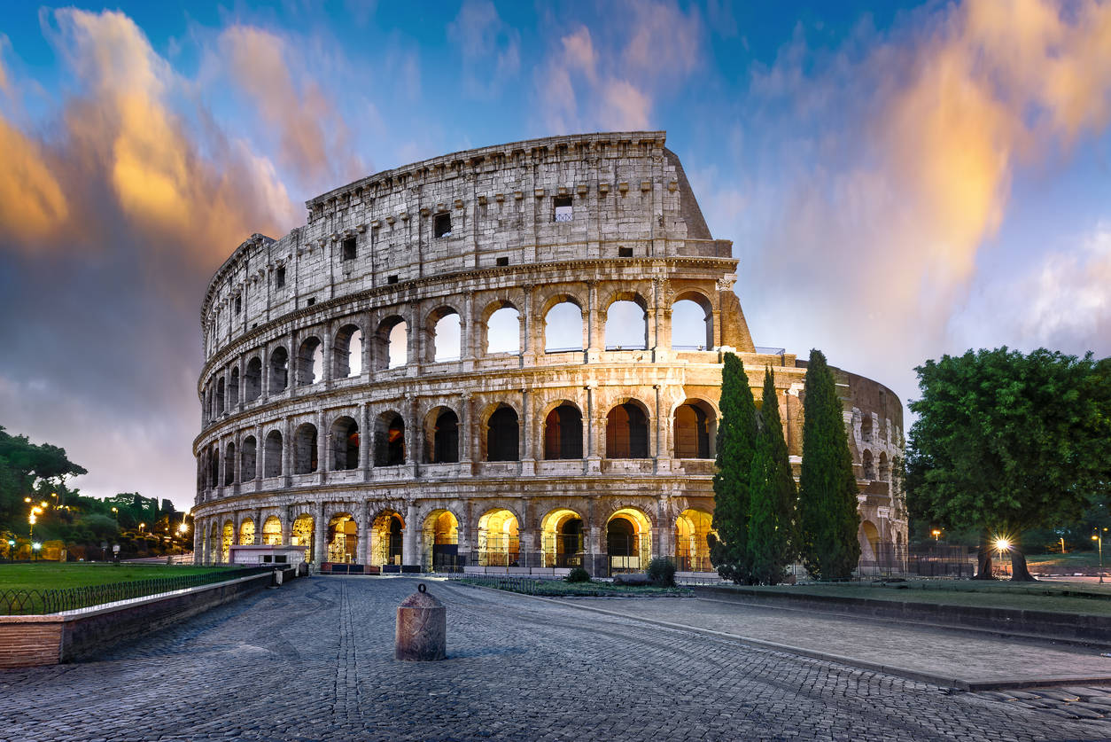 Rome bans souvenir stands around its famous sites; find out why