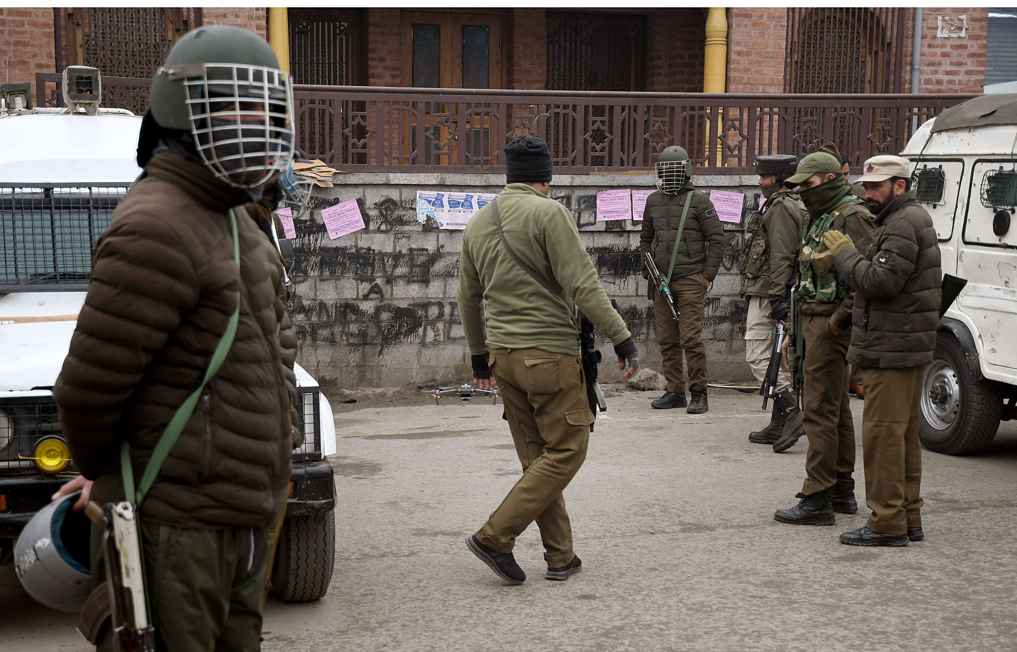 J&K DSP arrested with two Hizbul terrorists | India News - Times of India