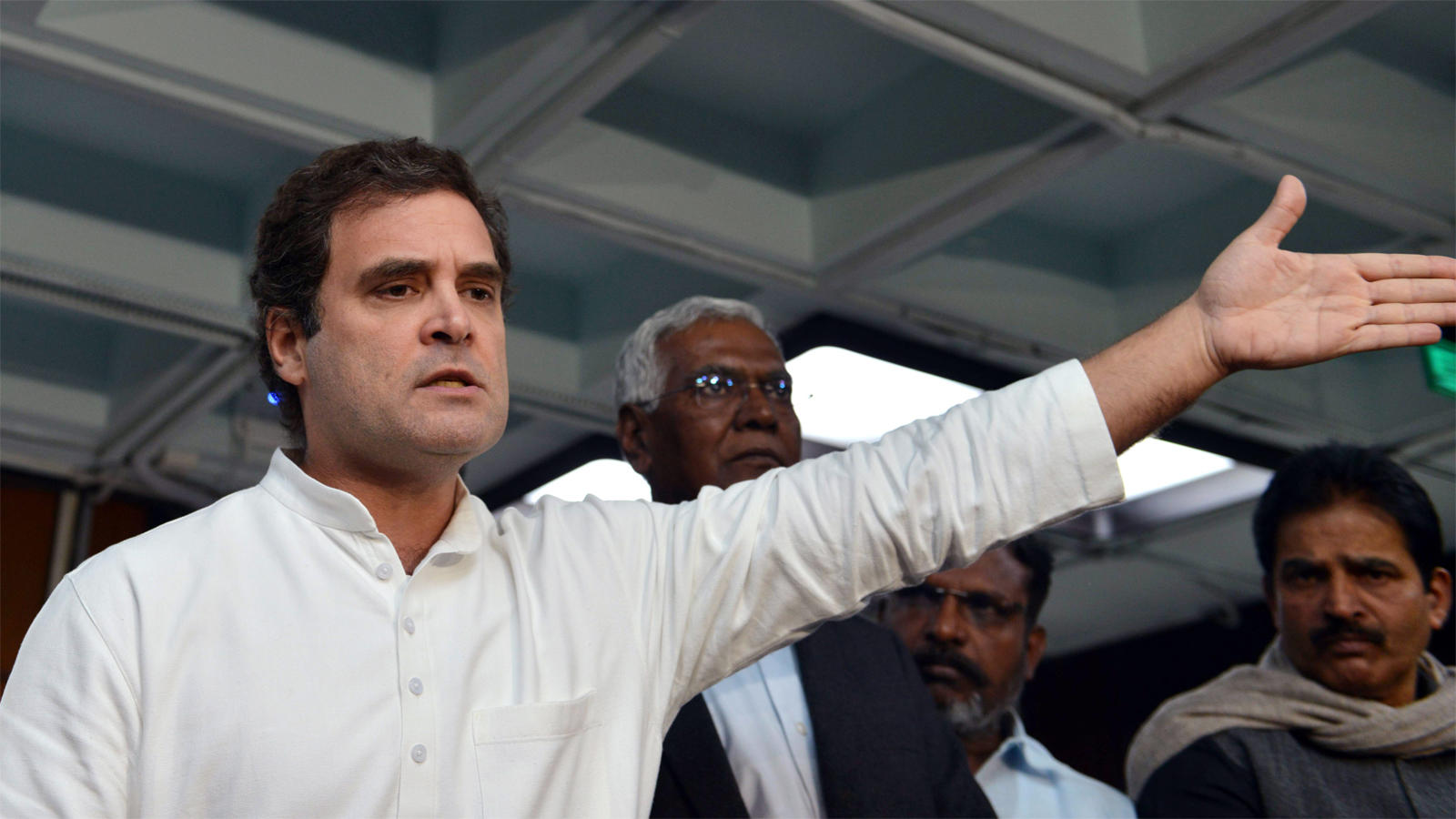 modi-govt-risking-peoples-future-by-damaging-lic-says-rahul-gandhi