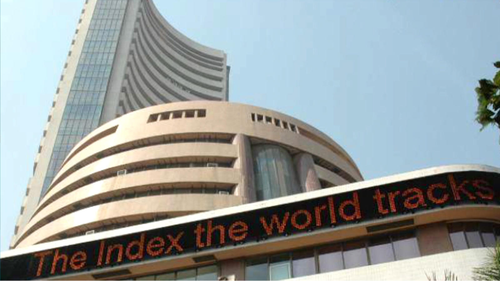 realty-banking-stocks-lift-indices-higher-yes-bank-jumps-by-6-6