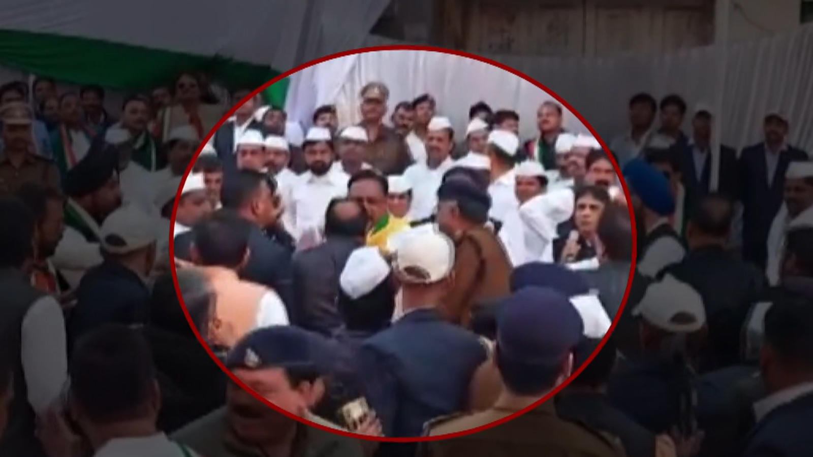 watch-brawl-between-congress-leaders-during-flag-hoisting-ceremony-in-mp