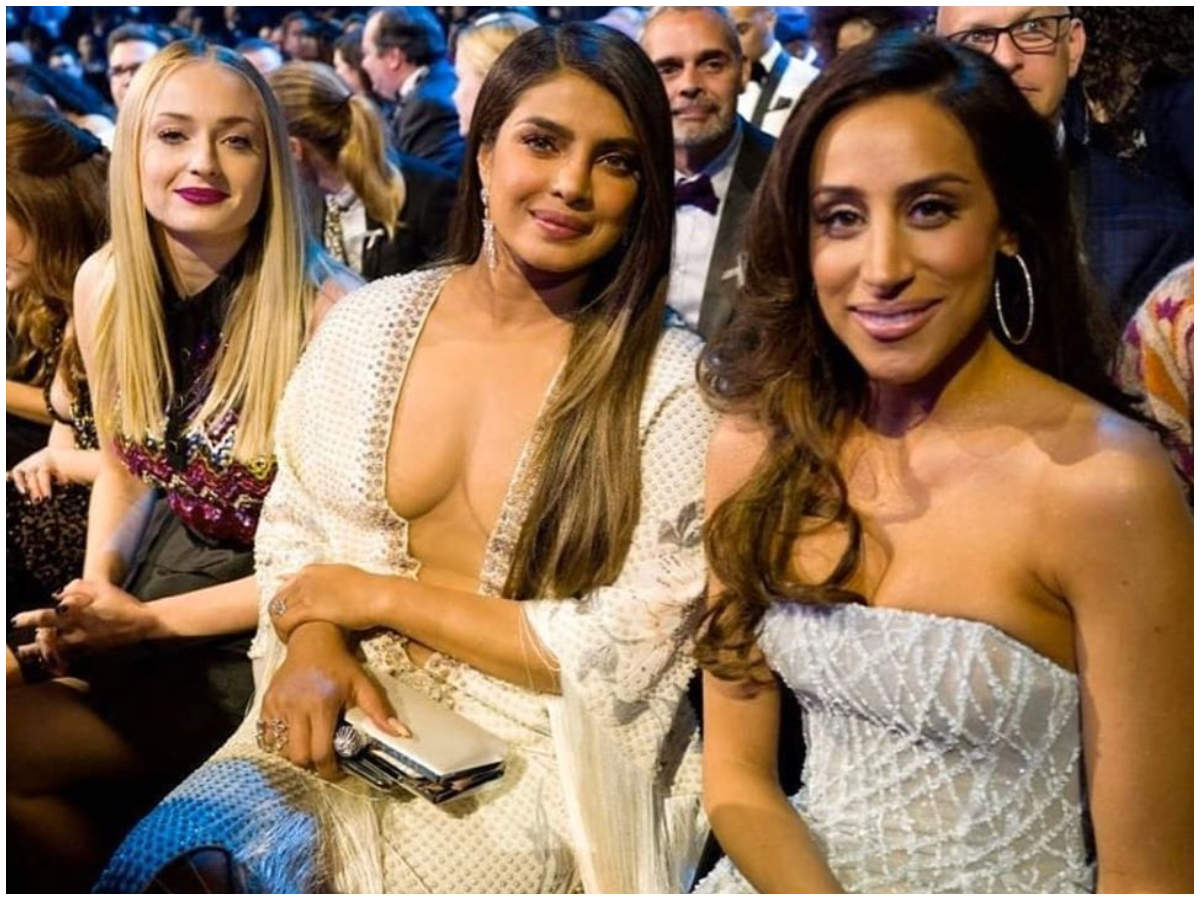 Grammys 2020 Internet Stands Divided Over Priyanka Chopra S Red